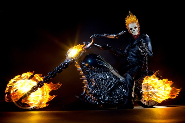 hot-toys-ghost-rider-action-figure-photography_11