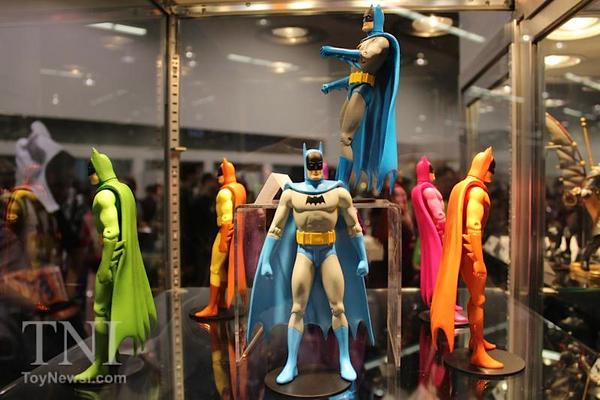 WonderCon_Batman_75th_Anniversary46__scaled_600